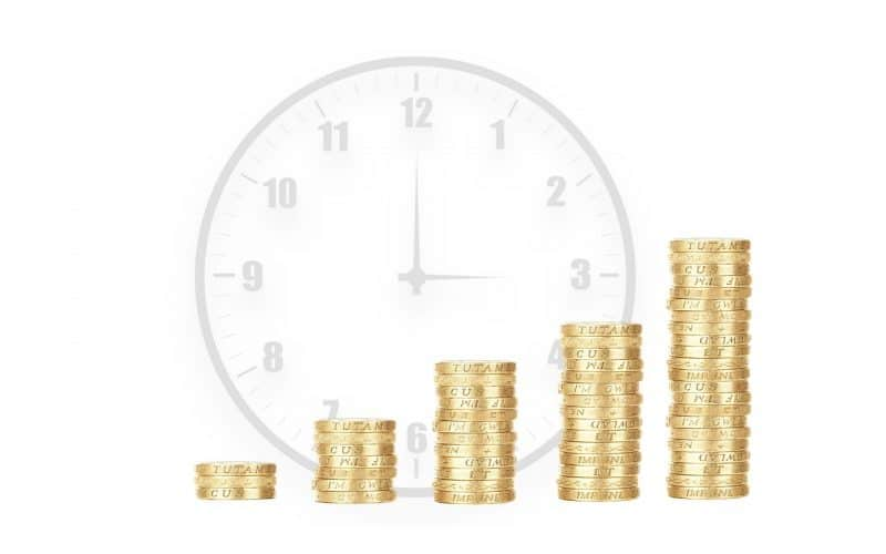 מגדלים של כסף ושעון